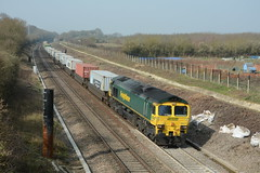 66517. Hay Lane. 10-04-2015 (*Steve King*) Tags: swindon 66 class lane hay freightliner 66517 4l31