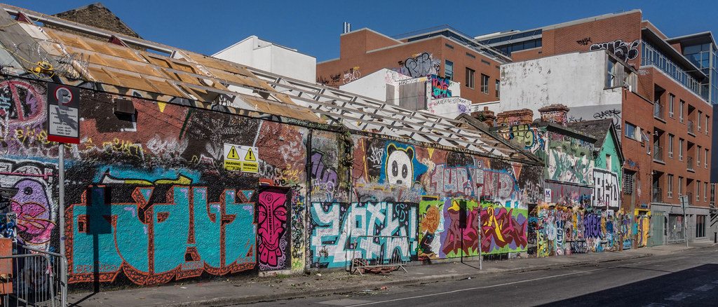 WINDMILL LANE STUDIO HAS BEEN DEMOLISHED { THE GRAFFITI WALLS ARE STILL STANDING] REF-103780