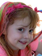 kiekeboe (roberke) Tags: portrait girl smile pose eyes child outdoor kind grandchild ogen portret meisje glimlach kleinkind deugniet