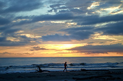 Ciao sol (Mediquillo) Tags: sunset sun sol beach atardecer colombia playa pacifico