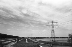 (Sean Anderson Classic Photography) Tags: contax powerlines m42 pylons bwgreenfilter haarlemmermeer contaxrx 29mm meyeroptik orestegon orestegon29mmf28