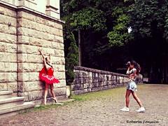 A bailarina e a Fotgrafa  The dancer and the Photographer  (Betanandez) Tags: riodejaneiro photographer dancer bailarina fotgrafa parquelage