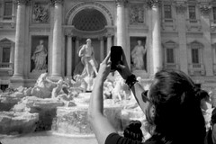 (andre@s xavier) Tags: street people blackandwhite italy rome roma blackwhite streetphotography streetlife trevi streetphoto analogue pentacon praktica biancoenero analogic prakticamtl5b analogcamera kentmere100