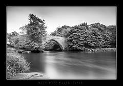 Brig o' Balgownie (Gary Watt) Tags: bridge blackandwhite water river scotland aberdeen cobbles bridgeofdon brigobalgownie