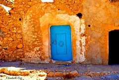 Djerba 2010 177.-MEDENINE (Elisabeth Gaj) Tags: door old travel architecture tunisia afryka elisabethgaj djerba2010