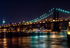 pont i empire de nit (vilchesdavid) Tags: bridge newyork rio skyline river lights luces nocturna empirestate rascacielos