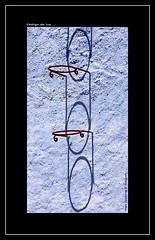 "AROS Y SOMBRAS (CODIGO DE LUZ ""El Fotgrafo"") Tags: sombras rojos azules pared chefchaouen chaouen marruecos ail azulndigo pgutierrez pepegutierrez codigodeluz"