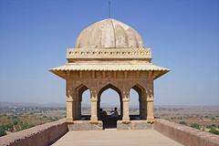 Le pavillon de Rupmati  (Mandu, Inde)