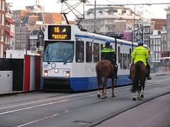 Amsterdam 2015 (streamer020nl) Tags: horse amsterdam cheval 2000 police tram explore reiter mounted 16 pferd polizei 1000 strassenbahn paard 830 gvb politie rokin 2015 explored bereden