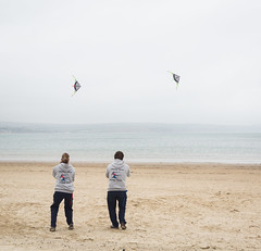 Flying Fish - Weymouth Kite Festival 2016 (dorsetbays) Tags: sea england kite beach festival fly flying cloudy overcast event dorset weymouth kitefestival flyingfish 2016 weymouthkitefestival weymouthkitefestival2016
