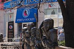 Spirit of Hockey (Hrnchen3) Tags: toronto canada hockey sport statue outdoor sonnenlicht