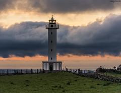 Faru de Llastres - Faro de Lastres (MaryPazSL) Tags: asturias lastres nwn faros faro nubes
