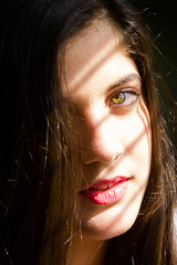 Stripes (Sergio Da Silva P) Tags: girl eyes people portrait green red lips light