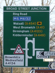 Ring Road St Patrick's, Wolverhampton - Broad Street Junction - sign (ell brown) Tags: greatbritain trees england signs tree sign birmingham unitedkingdom westmidlands walsall westbromwich wolverhampton blackcountry kidderminster brownhills wednesfield ringroadstpeters littleslane ringroadstpatricks broadstreetjunction