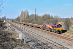 66063 Bromham (Lorenzo's Modern Traction) Tags: yard north db 66 class dbs jn schenker mml leagrave toton bromham 66063 66092 6b05
