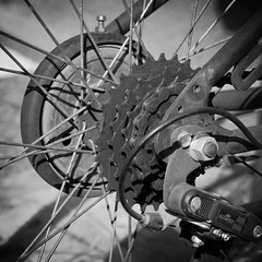 Run&Brake (B&W) (Xaf) Tags: bike bicycle gear bicicleta squared engranaje engranatge fujifilmxe2