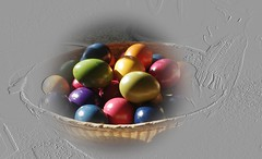 Karsamstag .......... (eulenbilder) Tags: ostern bunt farben korb eier gefärbt eulenbilder2015