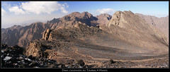 Dans l'ascension du Toubkal... (HimalAnda) Tags: africa panorama mountain montagne pano morocco maroc ascension ascent panoramique afrique toubkal eos400d canoneos400d stéphanebon