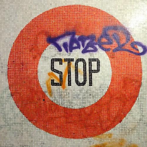 stop gresite signs cartelesdelacalle