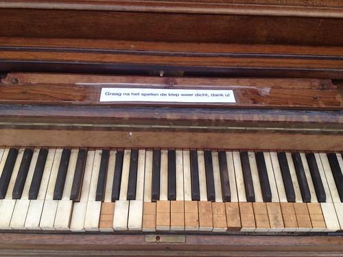 Piano aan zee