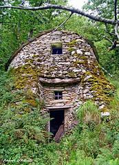 La vecchia fornace (Darea62) Tags: azzano versilia wood stones apuans forest seravezza ancient furnace montealtissimo fairy tale