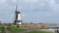 Vlissingen - Windmühle und Windräder (stephan200659) Tags: holland beach strand noordzee zeeland schelde nordsee veere walcheren northsee zoutelande westerschelde zouteland