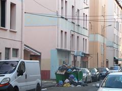 Cit Louis-Gros (Avignon_Sud) Tags: avignon hlm salet poubelles pauvret insalubre insalubrit eboueurs champfleury monclar