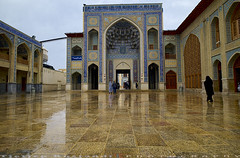 Shah-e-Cheragh exit wing (T   J ) Tags: iran fujifilm shiraz xt1 teeje shahecheragh fujinon1024mmf4