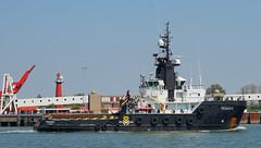 PEGASUS (kees torn) Tags: offshore pegasus tugs ponton nieuwewaterweg hoekvanholland noordzeeweg mullerdordrecht enavant20 amtcommander