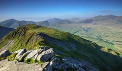 _Y Garn, o ben mynydd Drws y coed (eye see sound) Tags: mountains wales nationalpark scenery hill cymru ridge snowdonia eryri northwales rhydddu nantlle