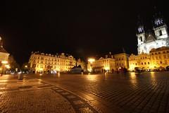 Praga (Patricio_Alvarado) Tags: prague praga janhuss iglesiadetyn tyn iglesia czechrepublic czech night noche plazavieja plaza square