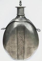 canteen ' 1915-1918 ' (fumsup) Tags: world art water tin one grande bottle war wwi great first trench canteen ww1 guerre pewter wk1 19151918 19141918
