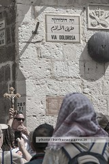 Via Dolorosa (Barbara Oggero) Tags: israel street streetphotography viacrucis viadolorosa pilgrim christian golgotha prayer jesus saint holy sepulchure cross christ faithful jerusalem