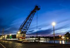 Duisburg Innenhafen (tankredschmitt) Tags: blauestunde duisburg flickr hafen kran ruhrgebiet stimmungen wordpress