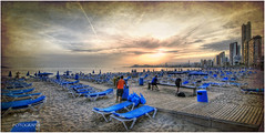 (044/15) Se acaba el da de playa (Pablo Arias) Tags: espaa photoshop mar spain agua colours playa colores alicante cielo nubes atardeceres hdr benidorm smrgsbord panormica photomatix sigma1020 edificiosymonumentos olequebonito nikond300 greatmanipulart grouptripod oltusfotos goldenvisions pabloarias parquenaturalserragelada
