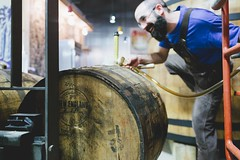 Filling rum barrels for Neddles (Allagash Brewing) Tags: new england portland greg barrels maine rum allagash neddles distilling