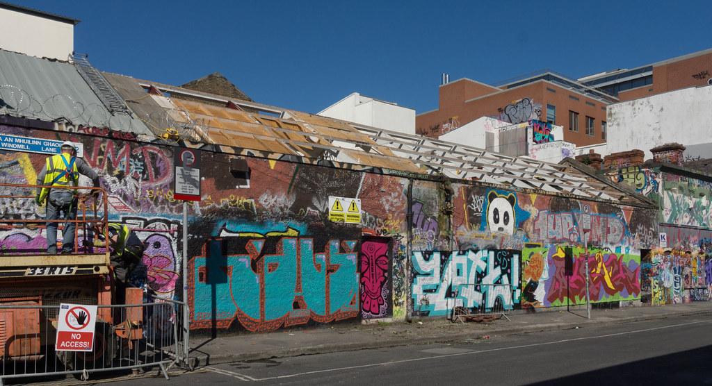 WINDMILL LANE STUDIO HAS BEEN DEMOLISHED { THE GRAFFITI WALLS ARE STILL STANDING] REF-103779