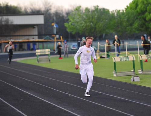 "Drew winning his 400m heat in Clifton on 3.26.2015. • <a style=""font-size:0.8em;"" href=""http://www.flickr.com/photos/38444578@N04/16803611967/"" target=""_blank"">View on Flickr</a>"