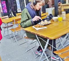 2015-03-14  Paris - Le pain quotidien - 2 Rue des Petits Carreaux (P.K. - Paris) Tags: street people mars paris café french march terrace candid terrasse sidewalk 2015