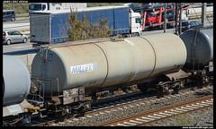 Zas/ERR de Millet (javier-lopez) Tags: train tren trenes railway err zas vagón cisterna cornellà adif ffcc combustible cisternas mercancías lesoler barcelonacantunis éster biodiésel ácidosgrasos éstermetílico 31032015