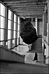 2 - Paris Palais de Tokyo (melina1965) Tags: blackandwhite bw sculpture mars paris march nikon noiretblanc iledefrance sculptures palaisdetokyo 2015 75016 d80 16mearrondissement