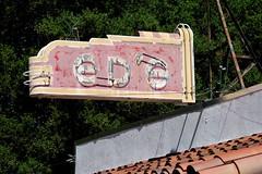 20150412_5254 (Tom Spaulding) Tags: california ca old sign bar vintage pub neon lounge tavern signage eds elsobrante edsplace contracostacounty elsobranteca