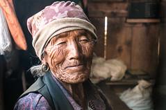 DSC02822.jpg (Vclav Zahrdka) Tags: old nepal people mood stranger stary folio easygoing wellbeing 2014 manang lide pohoda promitani westernregion nalada lokalita cizinec pozitivni