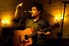 Juan Cirerol (Alvarrock Garca) Tags: music rock canon 50mm concert guitar folk gig concierto guitarra singer msica guitarrista cantante barrioantiguo acstico 60d cirerol