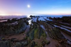 Barrika (Tudel2008) Tags: longexposure sky seascape beach mar sand rocks arena cielo bizkaia rocas barrika largaexposicion
