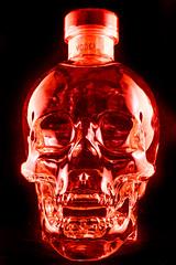 VODKA IMG_5214-2 (photo.bymau) Tags: light bw test canon studio skeleton skull al bottle noir crane bretagne packshot alcool alcohol 7d vodka et blanc rennes eclairage bouteille crne squelette bymau