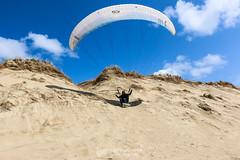 IMG_9183 (Laurent Merle) Tags: beach fly outdoor dune cte vol paragliding soaring ozone plage parapente atlantique ocan glisse littlecloud spiruline
