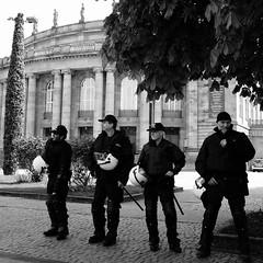 5-Einen Augen und auch Ohrenschmaus bekommt man stets im Opernhaus (zane) Tags: street stuttgart fotomarathon