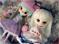 Penny & Yulia  (Pliash) Tags: cute big eyes doll dolls dal lolita blond kawaii loli custom frara furara