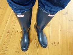 Even more navy Hunters! (essex_mud_explorer) Tags: vintage boots gates navy rubber wellington hunter welly wellies rubberboots gummistiefel wellingtons bottes gumboots rainboots madeinscotland hunterwellies rubberlaarzen hunterboots
